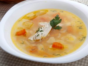 Sopa De Pollo O Caldo De Pollo Español Receta Fácil