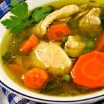 Caldo de gallina ecuatoriano